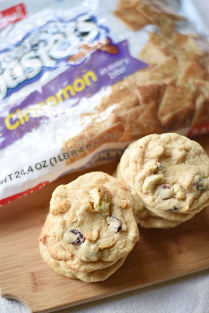 Apple Cranberry Cinnamon Toasters Cookies made with Malt-O-Meal® Cinnamon Toasters #recipe | Feathers in Our Nest