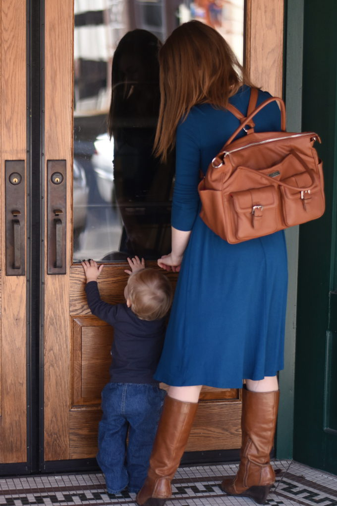 Lily Jade diaper bag: the diaper bag that transitions with you through every season of motherhood & beyond. | Feathers in Our Nest