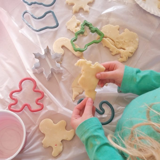 Simple Christmas Cookies Round Up | Feathers in Our Nest